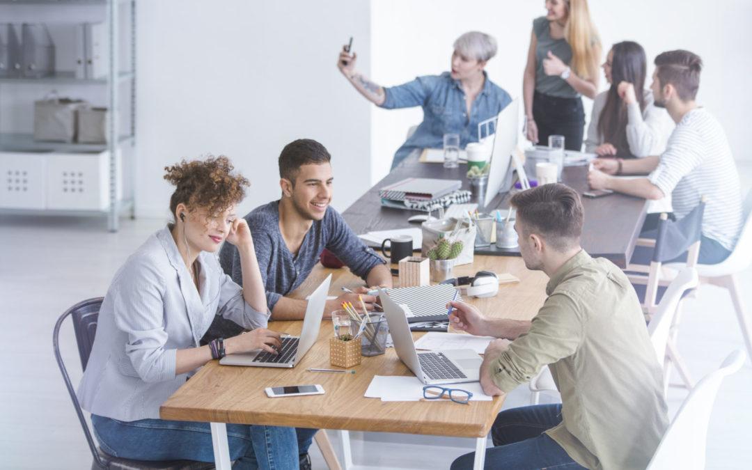 Über die Praktikant*innen im Büro
